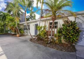 674 NORTON STREET, LONGBOAT KEY, Florida 34228, 3 Bedrooms Bedrooms, ,2 BathroomsBathrooms,Residential Lease,For Rent,NORTON,A3972040