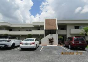 7351 COUNTRY CLUB DRIVE, SARASOTA, Florida 34243, 2 Bedrooms Bedrooms, ,2 BathroomsBathrooms,Residential Lease,For Rent,COUNTRY CLUB,A4470788
