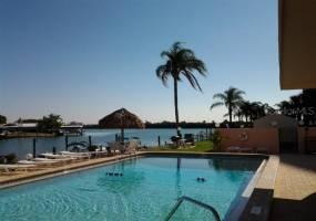 51 ISLAND WAY, CLEARWATER BEACH, Florida 33767, 1 Bedroom Bedrooms, ,1 BathroomBathrooms,Residential Lease,For Rent,ISLAND,U8008493