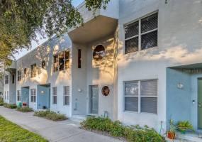 45 16TH STREET, ST PETERSBURG, Florida 33705, 2 Bedrooms Bedrooms, ,2 BathroomsBathrooms,Residential Lease,For Rent,16TH,U8068175