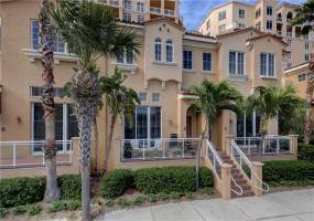 505 MANDALAY AVE, CLEARWATER BEACH, Florida 33767, 2 Bedrooms Bedrooms, ,2 BathroomsBathrooms,Residential Lease,For Rent,MANDALAY AVE,U8025359