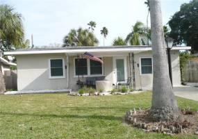 1209 BAY PINE BOULEVARD, INDIAN ROCKS BEACH, Florida 33785, 4 Bedrooms Bedrooms, ,2 BathroomsBathrooms,Residential Lease,For Rent,BAY PINE,U7799088