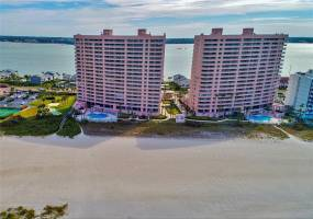 1310 GULF BOULEVARD, CLEARWATER BEACH, Florida 33767, 3 Bedrooms Bedrooms, ,2 BathroomsBathrooms,Residential Lease,For Rent,GULF,T2925795